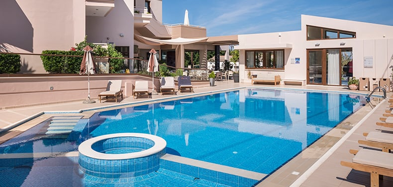 The sizeable swimming pool in Oscar Suites & Village in Chania, Crete.