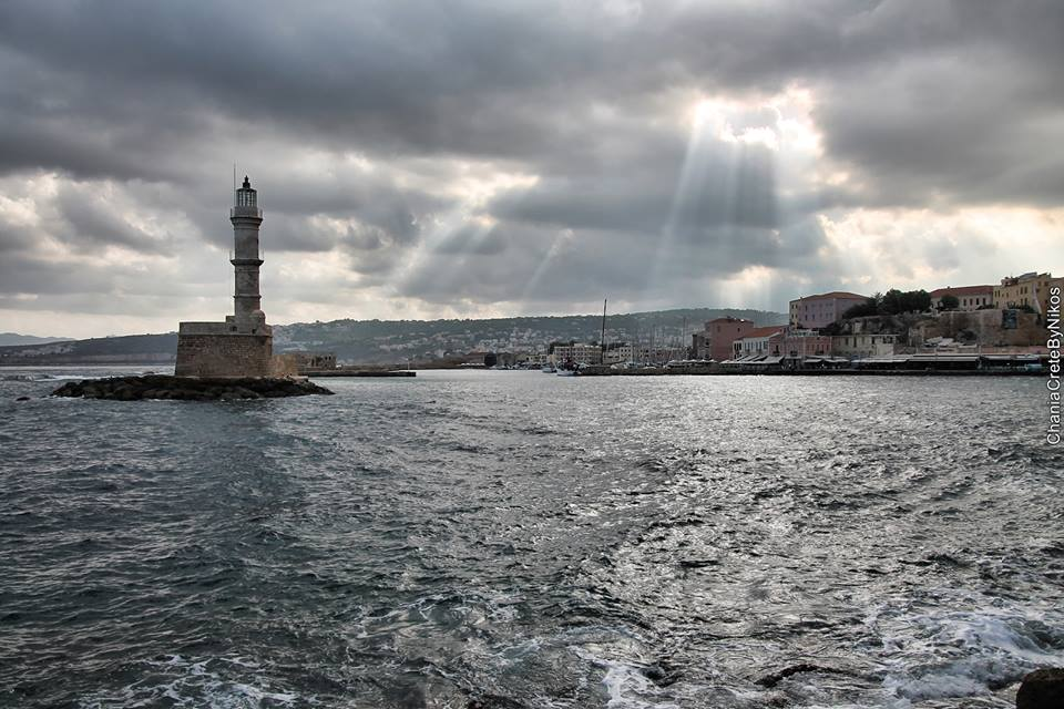 Autumn in the port of Chania, Crete where Oscar Suites & Village is located.